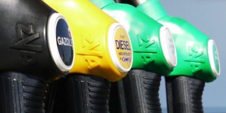 Auto diesel o benzina? Cosa scelgono di più gli albanesi?
